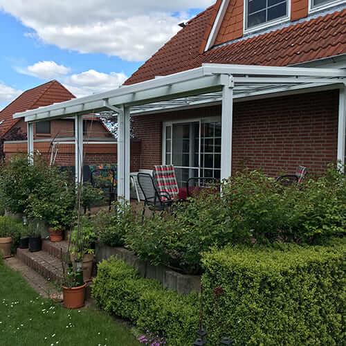 weißes Terrassendach